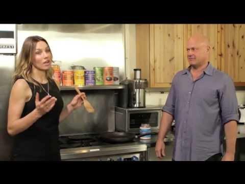 Superfood Recipe: Coconut Oil Veggie Stir-Fry