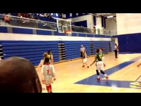 11 year old Phenom Rob Martin aka King Robert goes off for 8 straight 3s on 8 straight possessions!!