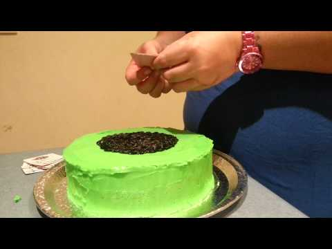 Easy DIY Cake Decor : Poker table cake