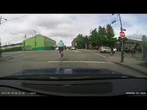 Vancouver - Close call as van runs red light