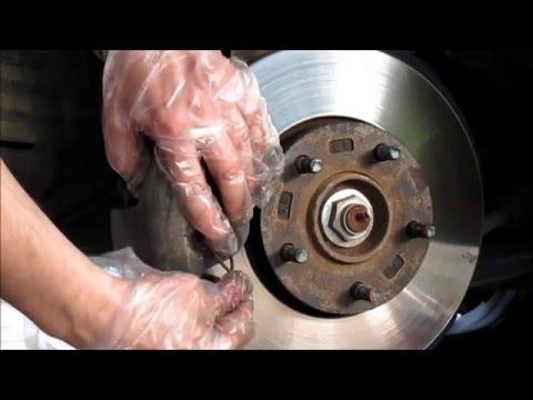 Replacement braking pads in Mazda 3