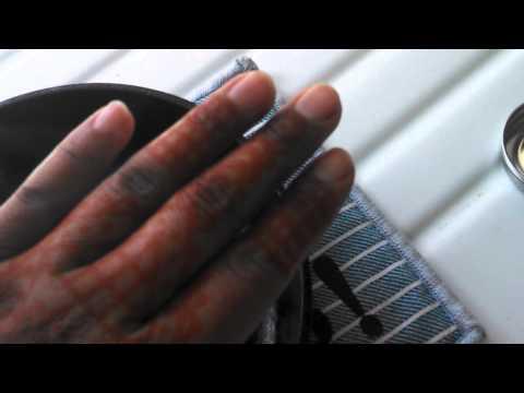 How to Darken Henna with Cloves