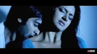 Vimala Raman hot bedroom scene and hot lip lock under bath shower