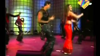 Hrithik Roshan & Kareena Performance (You are My sonia) - Heart throb Concert 2002