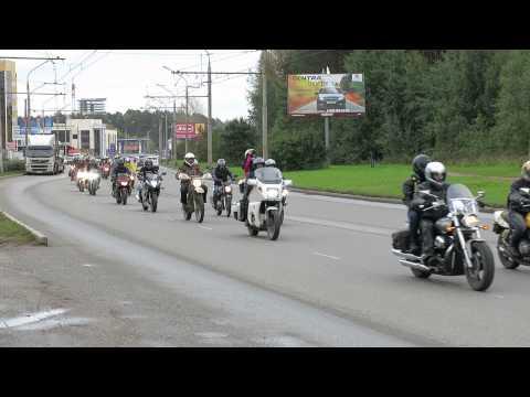 Закрытие мотосезона 2013 в Перми, колонна на ул. Подлесной