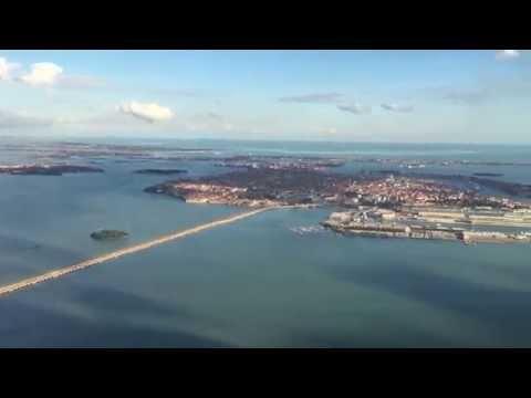 Landing Venice Marco Polo Airport (VCE-LIPZ) ULTRA HD - 4K - Amazing view!