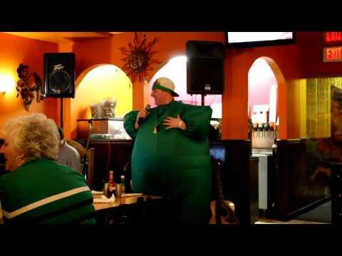SnWfilms plays.. Real Life Karaoke!