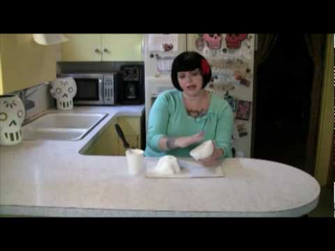 How to Make Sugar Skulls to Celebrate Day of the Dead