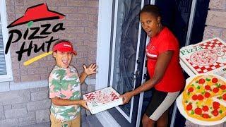 Gummy Pizza Delivery Prank on Mommy | Kids Pretend Play | FamousTubeKIDS