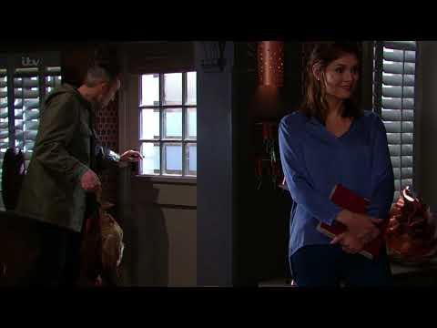 Lydia Breaks Down in Tears Over the Death of Her Best Friend Steve - Emmerdale
