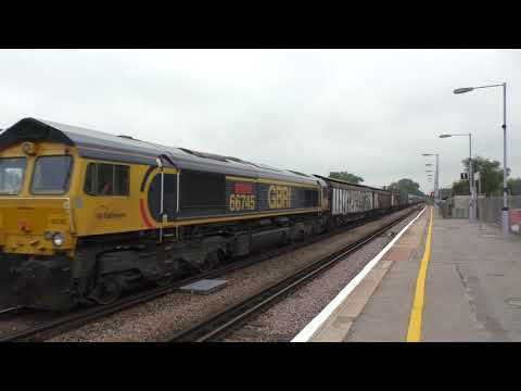 (HD) GBRf 66745 Drags brand new GWR 802009 & 802010 through Paddock Wood working 6X80