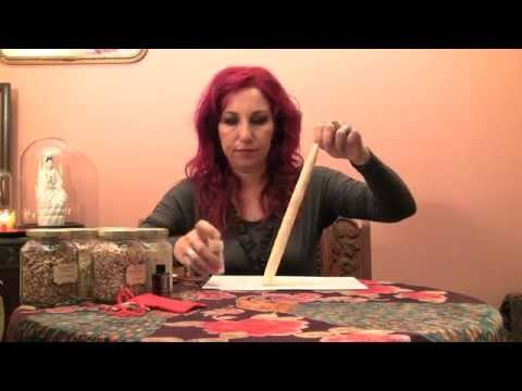 Queen Elizabeth Root Spells for Empowerment and Love - Hoodoo How To with Madame Pamita