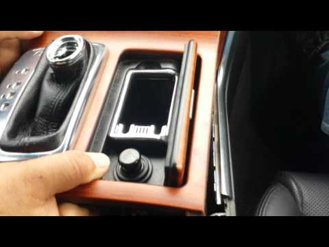 How to Remove Radio / CD Player from Infiniti M30 2006 for Repair.