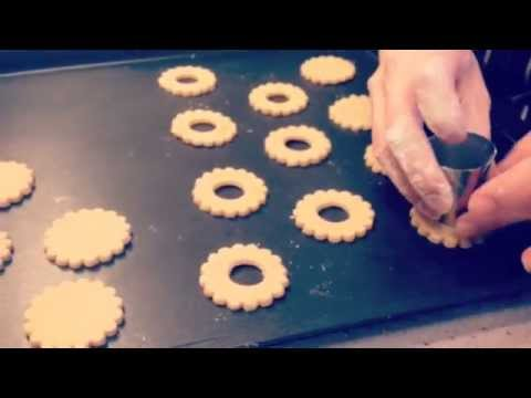 Making of maronier polo green marble linzer cookies (recipe on my blog)