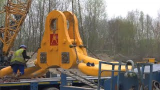 The process of assembling and operating amazingly 2 giant cranes in the world | crawler crane