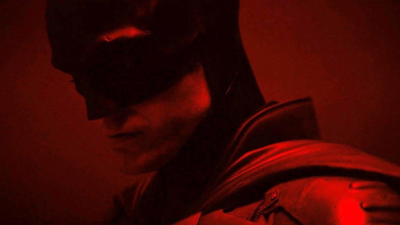 THE BATMAN (2021) Official First Look - Robert Pattinson Batsuit Reveal