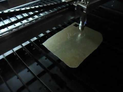 laser cutting machine  cuts 1mm fiberglass