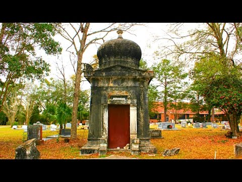 World's Spookiest Mausoleum? Calvin C Phillips - Tallahassee, Florida
