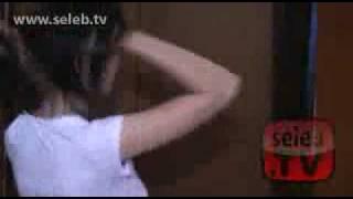 Video Donita Cuek Ganti Baju