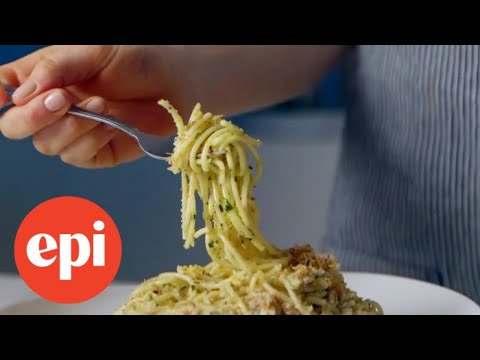 Pasta with 15-Minute Garlic, Oil, and Anchovy Sauce | Epicurious