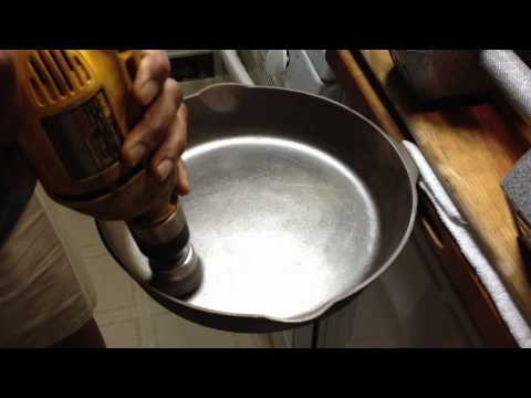 Wire Brushing a Cast Iron Skillet