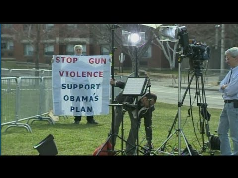 President Obama visits CT to talk guns