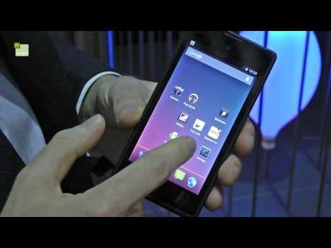MWC 2013: LCD/e-ink YotaPhone