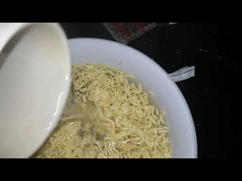 Making fried noodles with the MICROWAVE