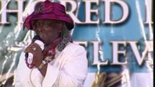 Evg. Gloria Wilks....Ride out Your Storm.mp4