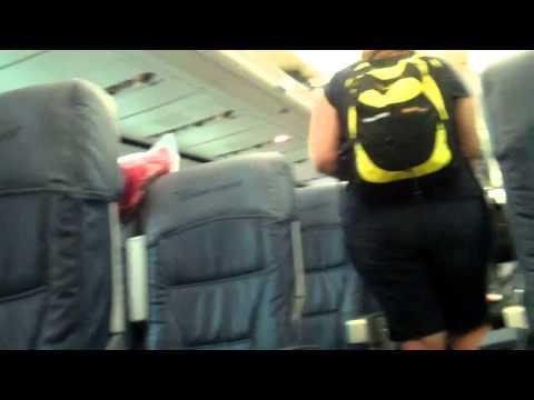 Boarding Delta Air Lines 757-200