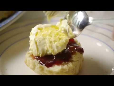 Classic Cornish cream tea with Rodda's Cornish clotted cream