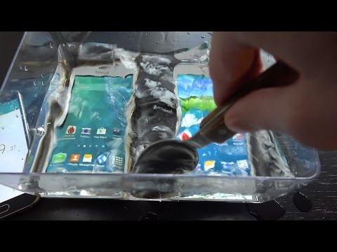 Fake Samsung Galaxy S5 vs. Samsung Galaxy S5 Water Test - Will It Survive? (4K)