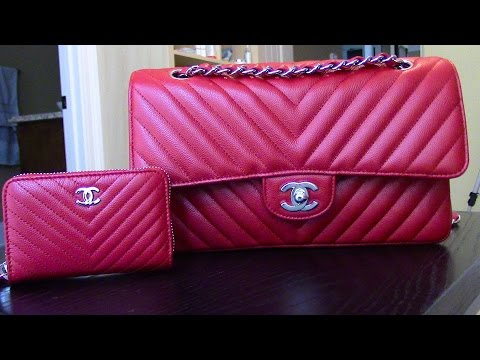 CHATTY-What s in my New 2016 CHANEL Chevron classic flap   WHAT s Up with 91f94b7fab8ea