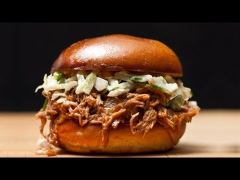 How to Make Easy Slow-Cooker Pulled Pork - The Easiest Way