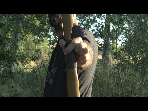How to shoot a longbow or recurve - Bow hand position