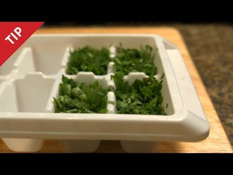 How to Preserve Fresh Herbs - CHOW Tip