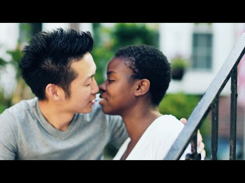 JUST KISS THE GIRL