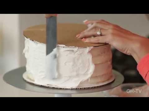Easy Hack for Frosting a Smooth Cake / #GeniusIdea