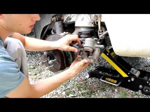 Replacing Rear Brakes on Hyundai Santa Fe 2007 pad
