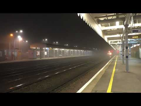 (HD) Night time Channel Tunnel traffic from Dollands Moor - seen at Paddock Wood 7/11/17.