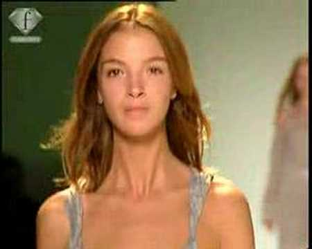 fashiontv | FTV.com - TENDANCE SEXPOT FEM PE 2005