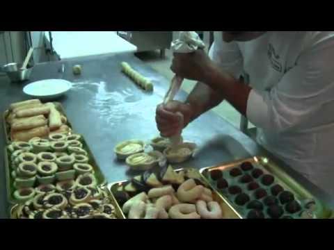 Italian pastry recipes Pasticciotto by Stuzzicando