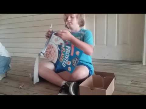 How to make a tech deck ramp with a cereal box