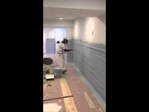 How to spray a wood paneling