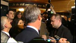 Ukip leader Nigel Farage harangued by protestors in pub