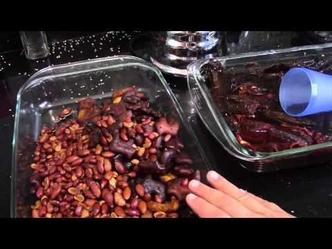 Delicious mole recipe from scratch PART 2/2 (mole poblano)