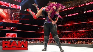 Sasha Banks vs. Nia Jax - Winner Challenges for Raw Women