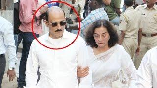 Akshaye Khanna looks UNRECOGNIZABLE at father Vinod Khanna