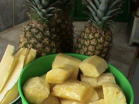 How to Cut Up and Freeze Pineapple