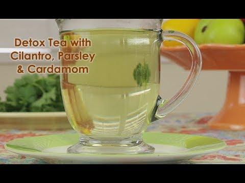 Detox Hot Tea with Cilantro, Parsley & Cardamom Pods